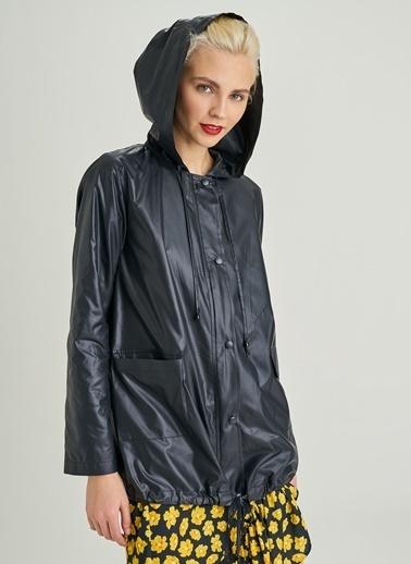 People By Fabrika Kapüşonlu Yağmurluk Siyah